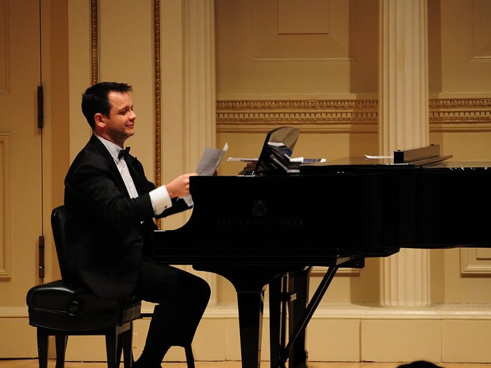 Fábio Bezuti with French soprano Anne-Julia Audray and flutist Laura Falzon at Weill Recital Hall, Carnegie Hall, December 6, 2012.