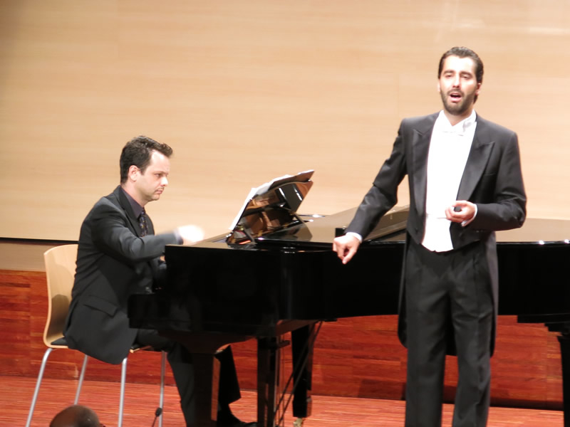 Pianist Fábio Bezuti with Spanish tenor Josep Viader at Auditori Municipal de Santa Coloma de Farnes, Catalunya, Spain, August 24, 2014.